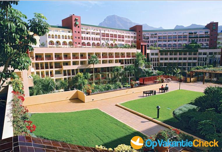Hotel jacaranda aanbiedingen op vakantie naar tenerife for Botanische tuin tenerife
