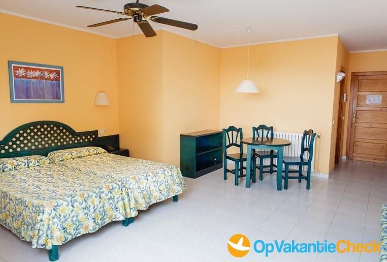 Aparthotel club santa ponsa aanbiedingen op vakantie for Aparthotel bretagne