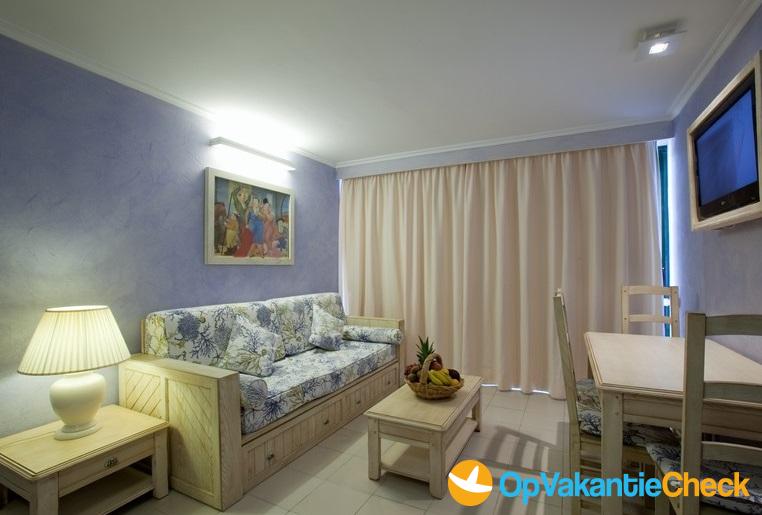 Aparthotel royal son bou aanbiedingen op vakantie naar for Aparthotel bretagne